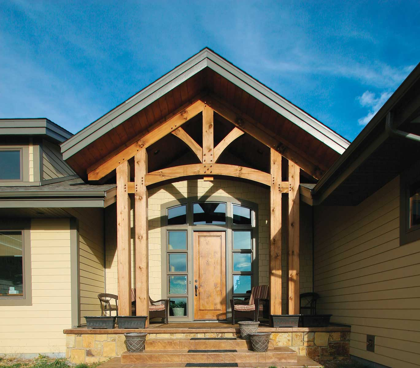 Interior timber frame homes photo gallery blue ox timber for Timber frame exteriors